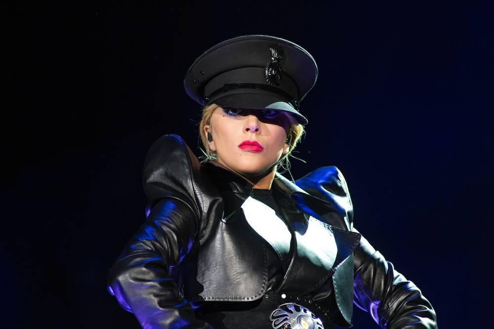 Lady_Gaga_Erik_Voake_Coachella_B010030_t