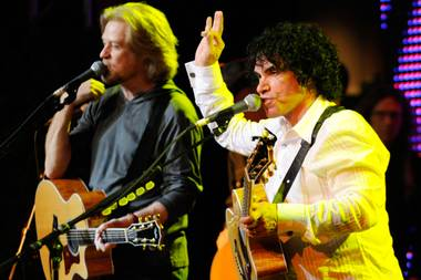 Yes can do. Oates plays T-Mobile on July 21, with Hall, or course.