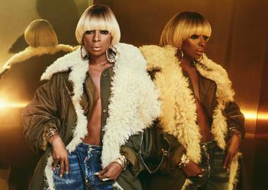 Mary J. Blige takes the stage at the Pearl September 1.
