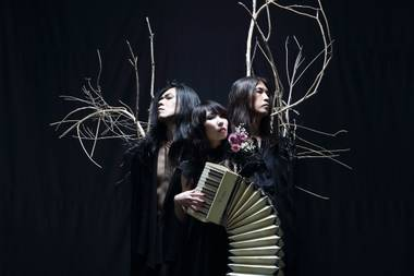 If recent setlists hold up, the Japanese trio will play droney new album Dear straight-through.