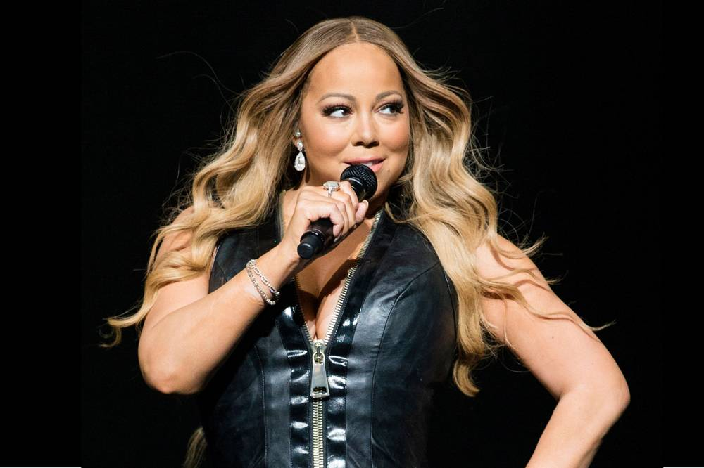 mariah carey returns to the colosseum for all i want for christmas is you