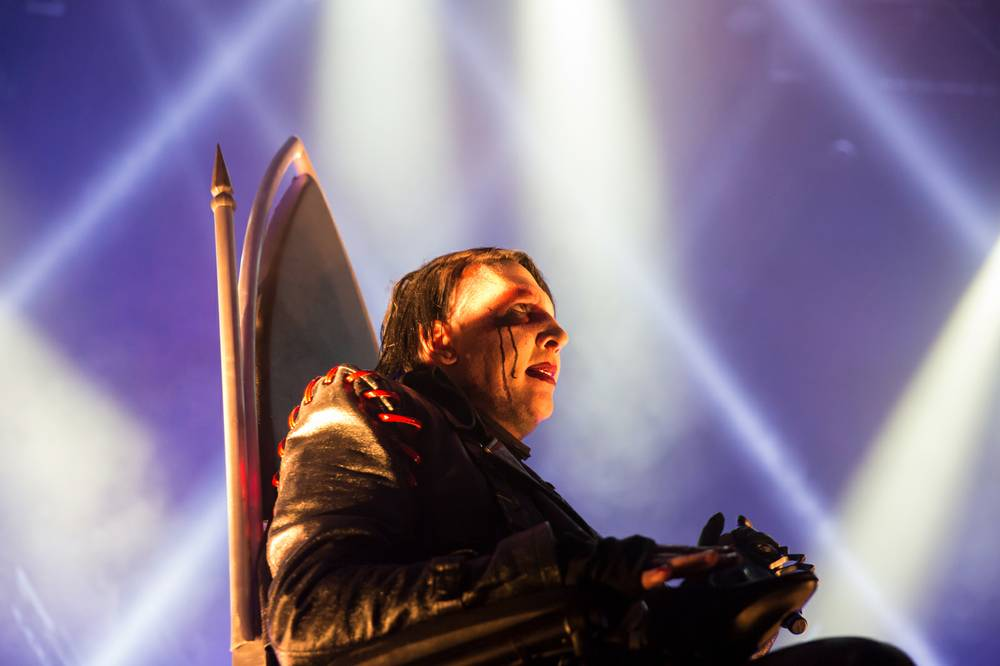 Concert Review Marilyn Manson Keeps It Relatively Light At House