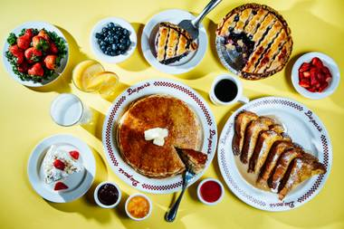 Breakfast time in Vegas: The day's first meal is a major attraction