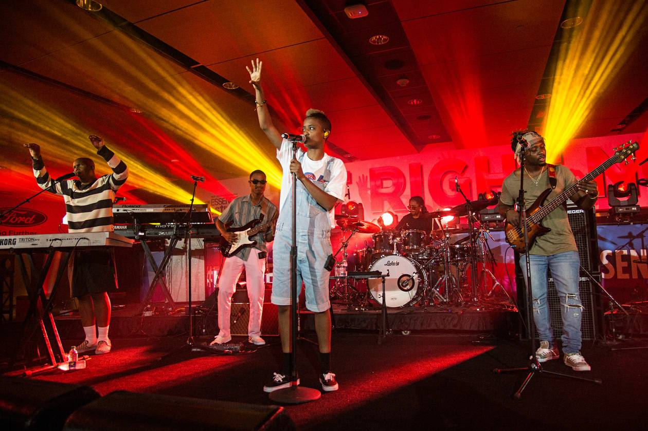 Led by primary vocalist Syd, most of the band broke off from now-defunct LA hip-hop collective Odd Future.