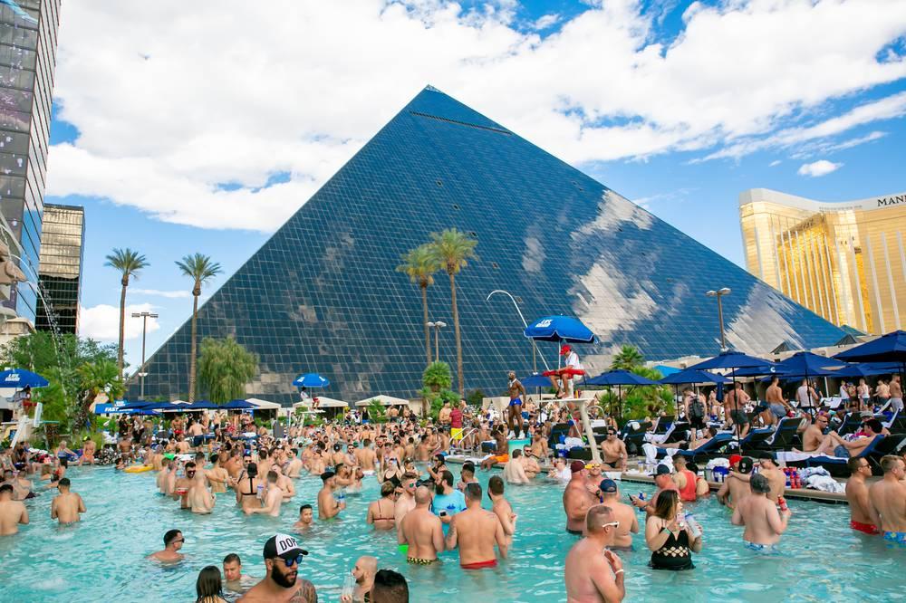 Temptation sundays celebrates 10 years at luxor las - Luxor hotel las vegas swimming pool ...