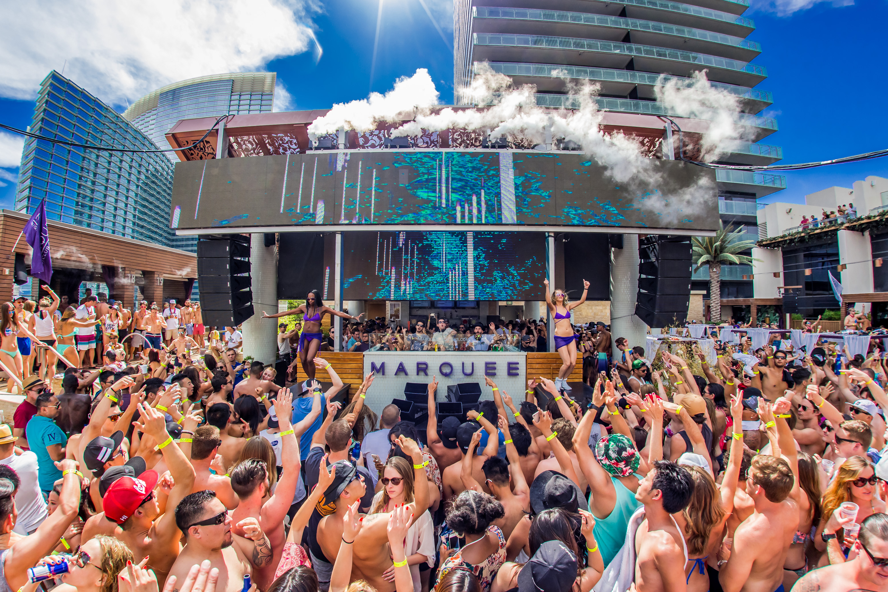 Vegas Nightlife Continues To Evolve With Marquee Pool Las Vegas Weekly