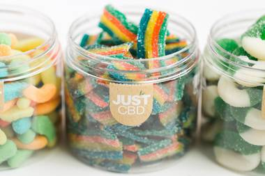 A smart diet, including hemp gummies, can be an extremely effective strategy for maintaining a peaceful frame of mind.