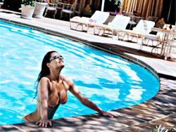 New York-New York Pool - Las Vegas Weekly