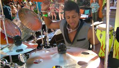 Percussionist Ravi Drums opened the 2009 season of Sunset Sessions at Tao Beach on Sunday, April 19 with a high energy set accompanying the tunes of DJ Donald Glaude.